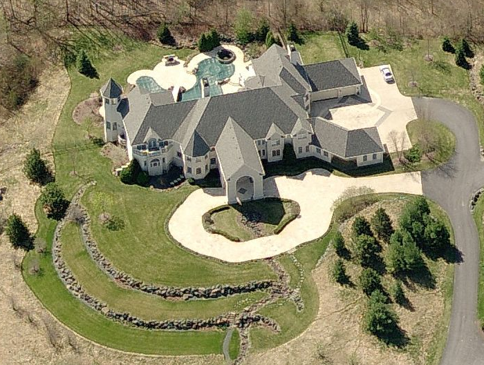 Guess The Square Footage Of This Mansion Homes Of The Rich
