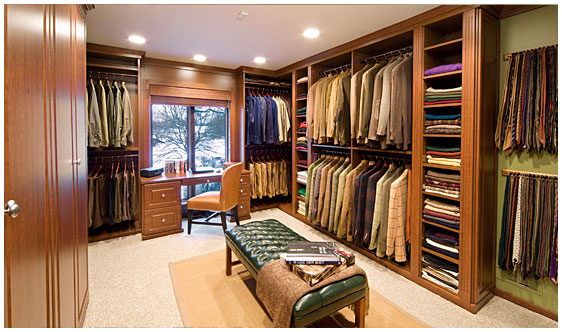 Which amazing walk in closet is your favorite homes of for Walk in wardrobe design