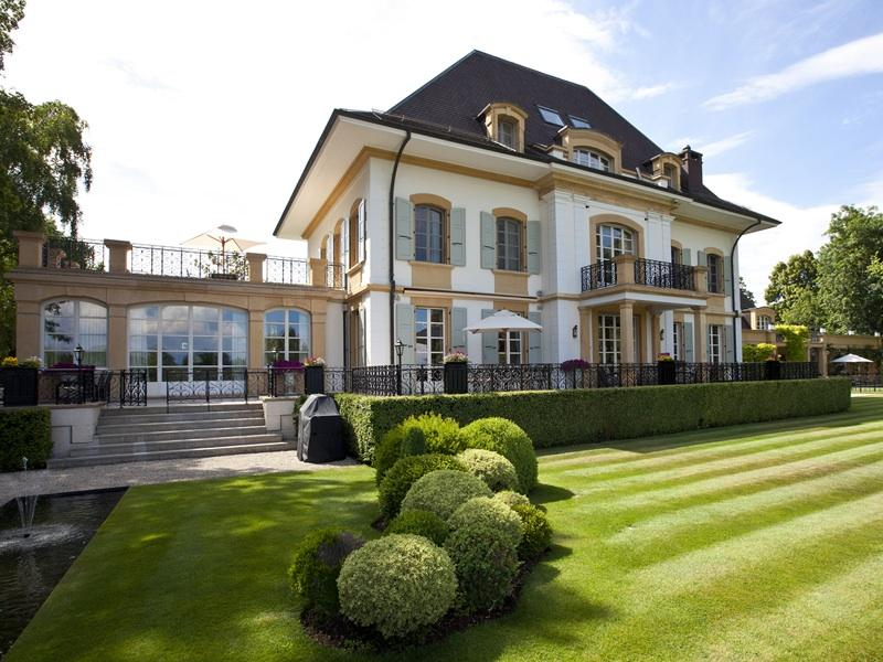 Luxury waterfront property in switzerland homes of the rich for Luxury homes for sale la
