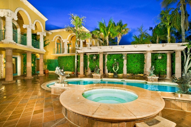 Villa Laura – A 16,000 Square Foot Mediterranean Mansion