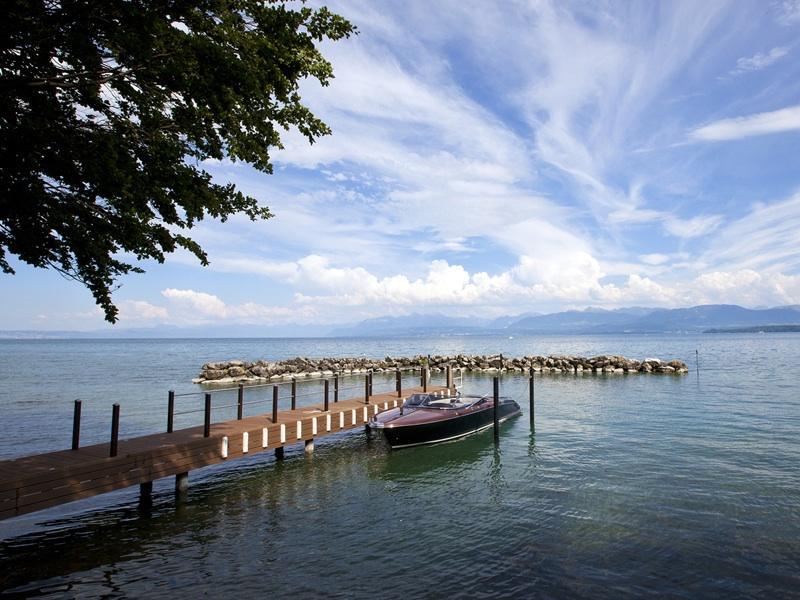 Luxury Waterfront Property In Switzerland
