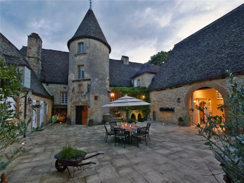 15th Century Manor House In France Homes Of The Rich