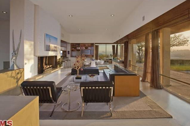Hilltop Glass Modern Home In Chatsworth, CA