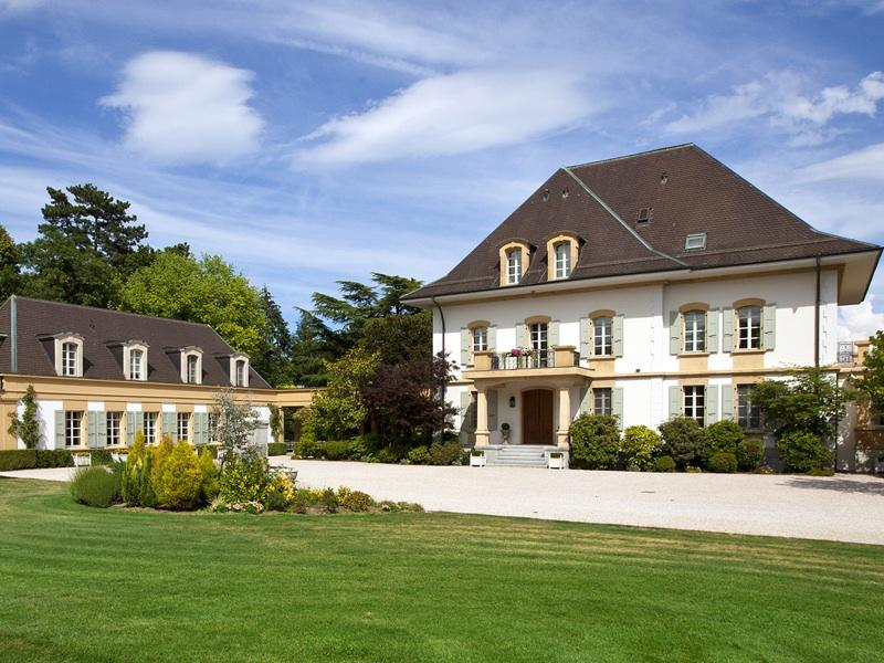 Luxury Waterfront Property In Switzerland Homes Of The Rich