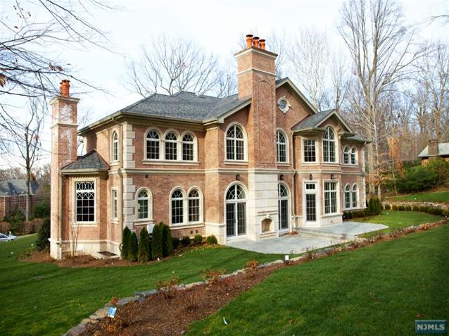 Stately colonial new build in alpine nj homes of the rich for Alpine nj celebrity homes