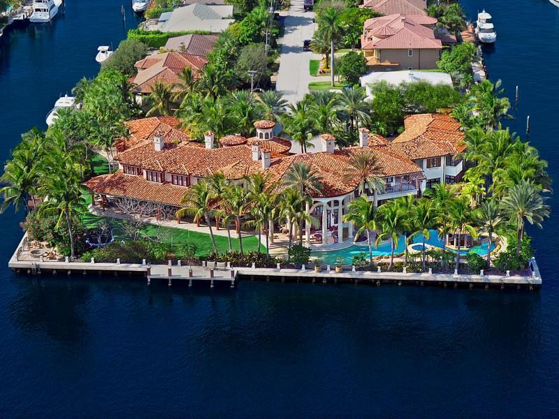22 million mediterranean waterfront estate in fort for Mega mansions in florida