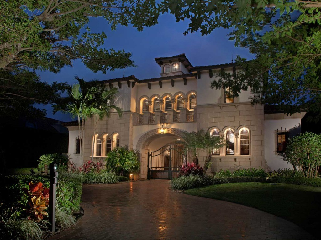 14 000 Square Foot Naples Mansion With Magnificent Gated Courtyard Entry Homes Of The Rich