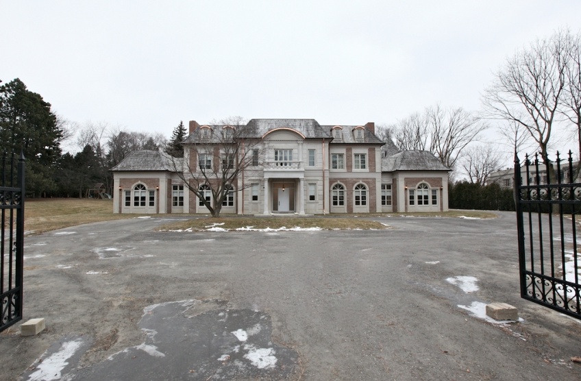 14 000 square foot mansion in toronto s prestigious bridle for 15 iceboat terrace toronto postal code