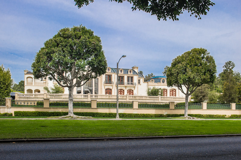 More Pictures Of 901 N Alpine Drive In Beverly Hills Ca