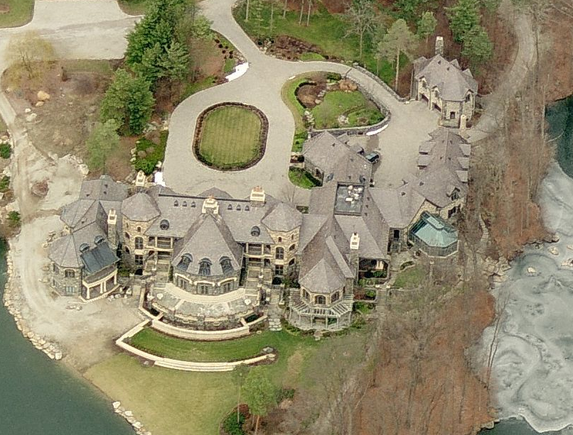 More Pictures Of The Fort Wayne, Indiana Mega Mansion