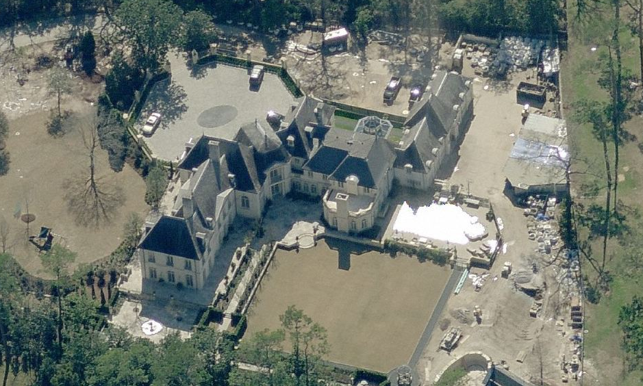 A look at some texas mansions homes of the rich the 1 for Mega motors houston tx
