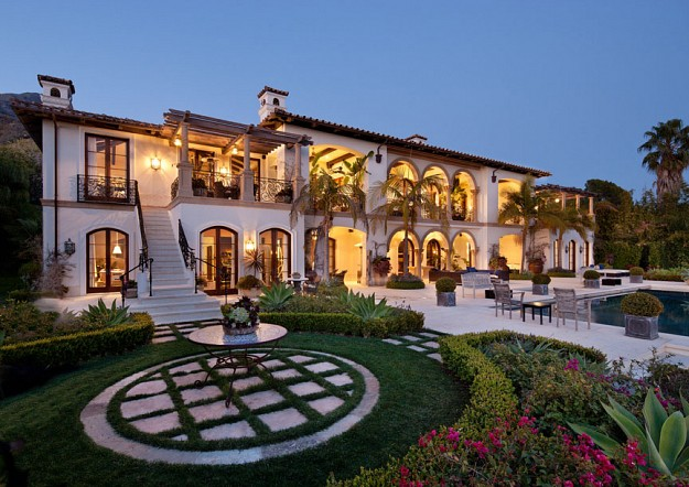 Newly listed 18 9 million mediterranean mansion in for Mediterranean style mansion