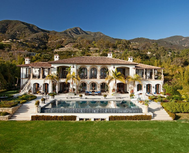 Newly listed 18 9 million mediterranean mansion in for Rich homes in california