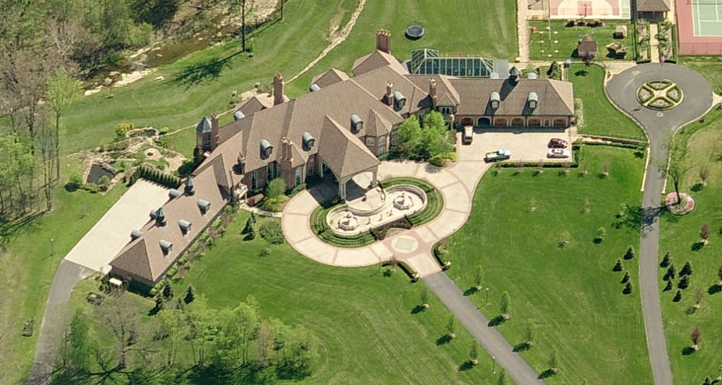 50 000 square foot ohio mega mansion featuerd on hgtv s for 50000 house