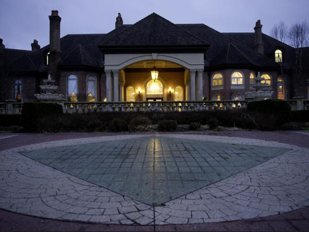 50,000 Square Foot Ohio Mega Mansion Featuerd On HGTV's Million Dollar Rooms