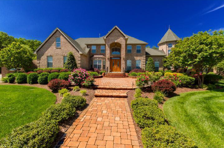 unique 15000 square foot new jersey brick mansion with entertainers backyard - Biggest House In The World 2012