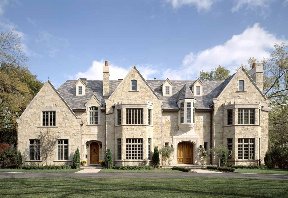 Home Exteriors: Heritage Luxury Builders