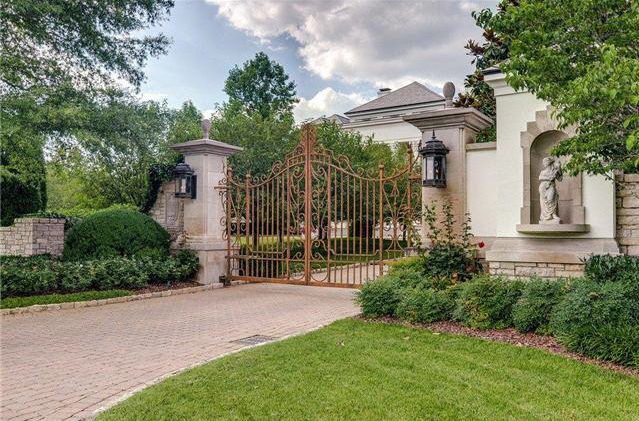 17 5 Million Gated Estate In Franklin Tn Homes Of The Rich