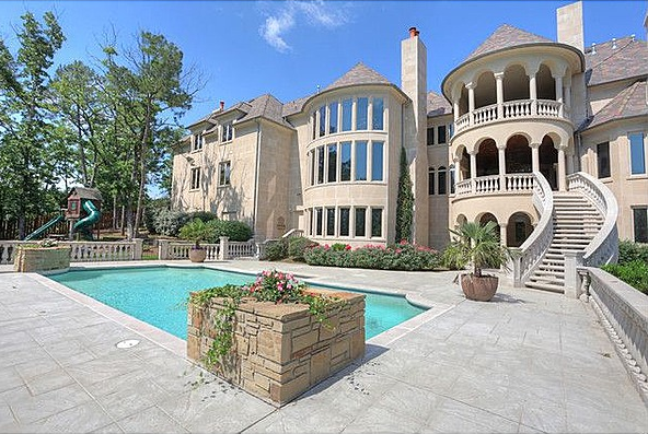 14 000 square foot castle esque mansion in little rock ar for Little rock custom home builders