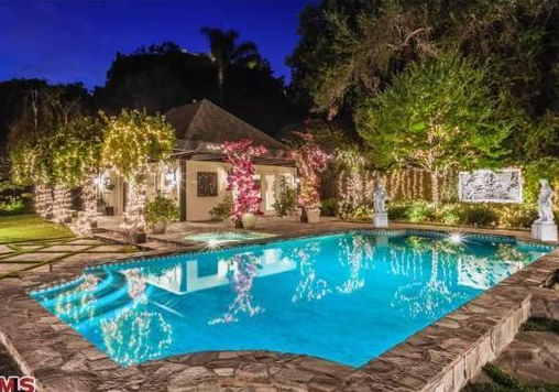 $18 Million English Country Mansion In Bel Air, CA