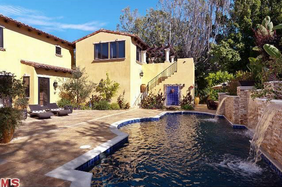 2010 Built Mediterranean Home In Los Angeles, CA