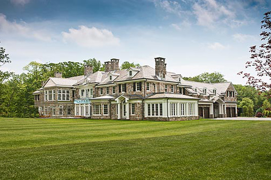 Hotr will be touring two connecticut mega mansions for Super mega mansions