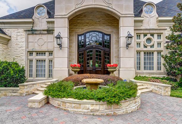5 275 Million Mansion In Arlington Tx With Its Own