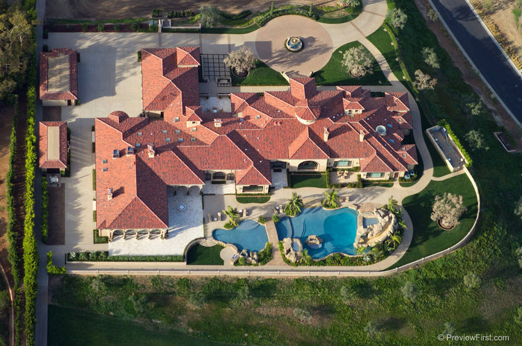 $15.995 Million Mediterranean New Build In Rancho Santa Fe, CA With Amazing Entertaining Spaces