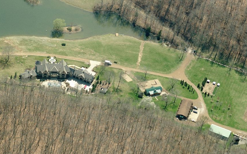 19 9 million 800 acre gated estate in franklin tn for Stillhouse hollow lake cabins