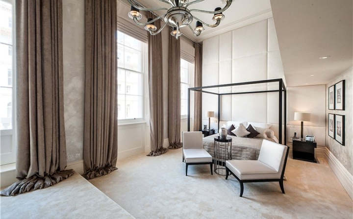 £24 Million London Apartment With Extremely High Ceilings