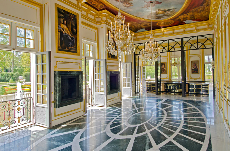 10 Design Tips To Steal From Chateau Louis Xiv Hello