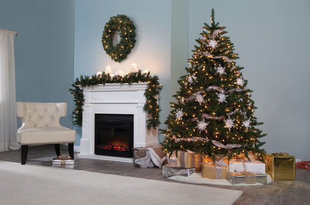 Merry Christmas HOTR! – Rooms With Christmas Trees From Houzz.com