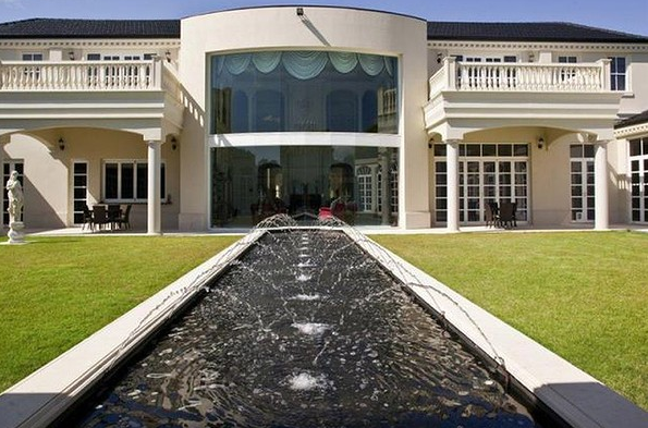27,000 Square Foot Australian Mega Mansion To Be Auctioned Off