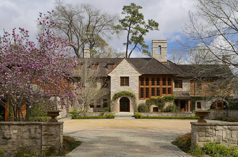 Bayou Breeze A 19 995 Million English Country Estate In