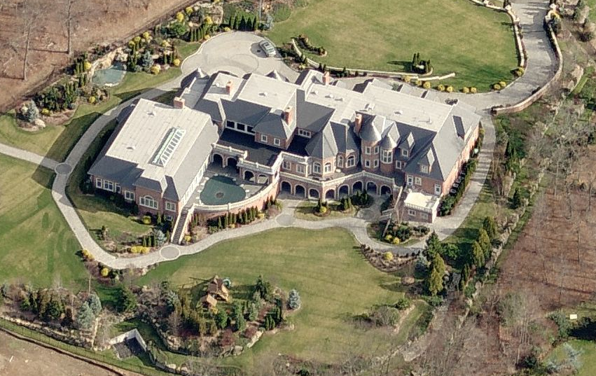 34 000 Square Foot Alpine Nj Mega Mansion Sells For 20