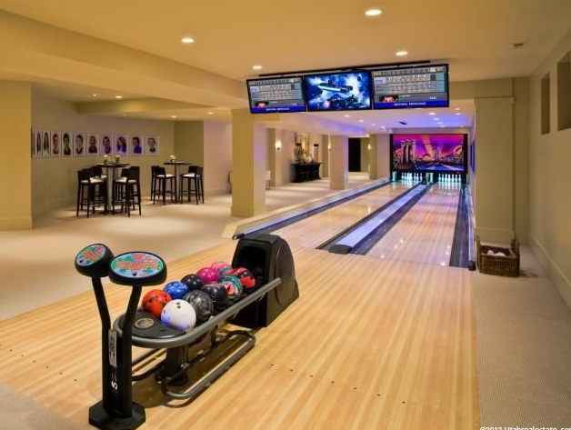 Luxurious 24 000 square foot mansion in holladay ut - Game room in house ...