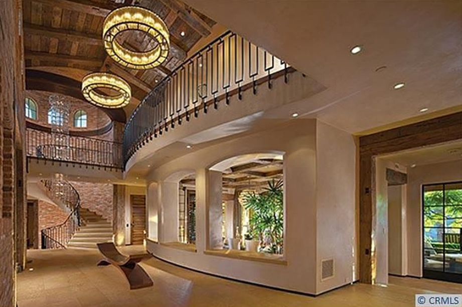 10000 square foot mansion in irvine ca with rustic modern interior - Modern Mansions Interior