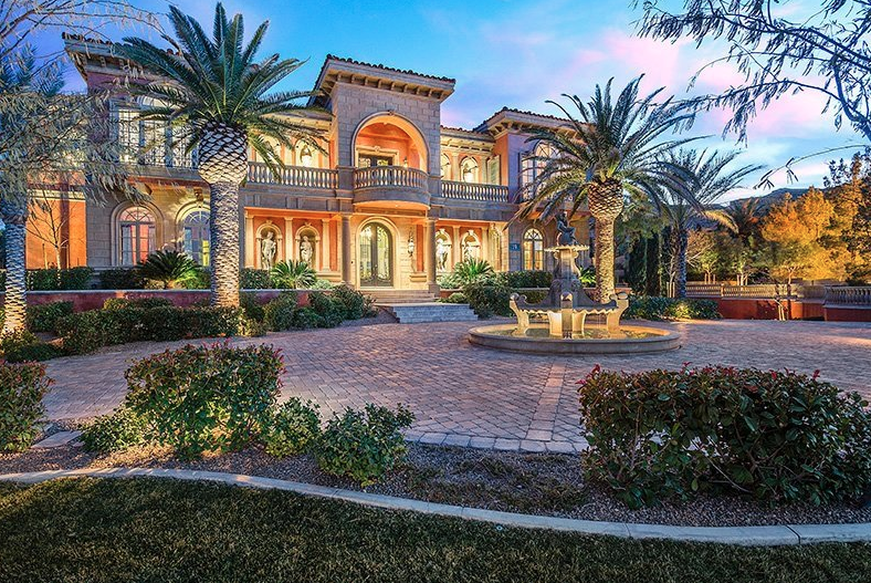 Newly listed 10 5 million mediterranean style mansion in for Mediterranean style mansion
