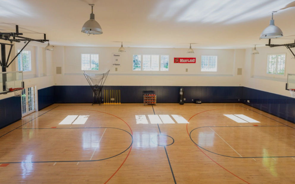 Million estate in old westbury ny with 3000 square for Build indoor basketball court