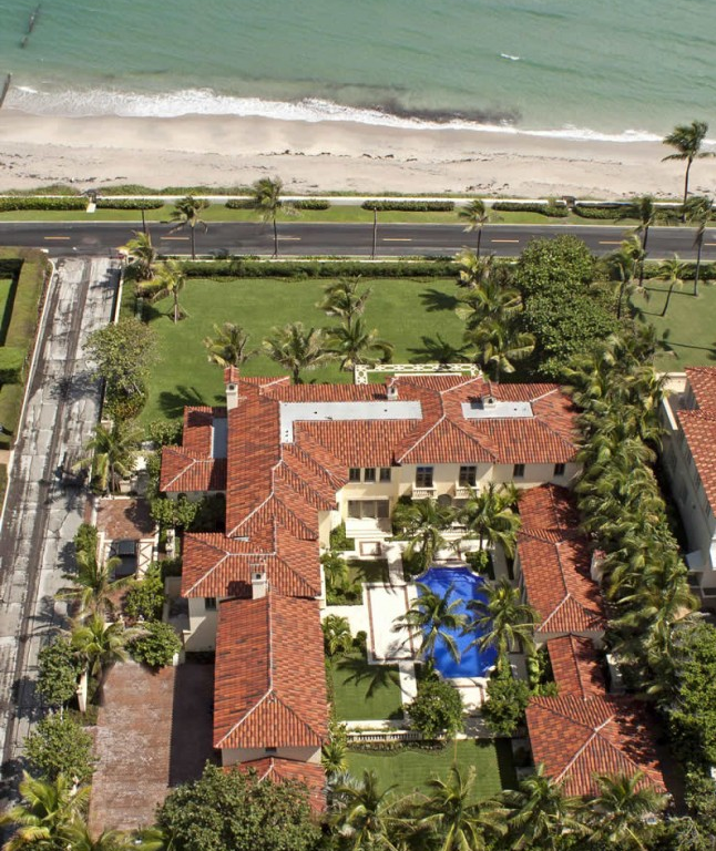 Vera Wangs Former Palm Beach Fl Estate Unofficially On The Market furthermore Sofia Vergara   Worth as well Las Lujosas Y Sorprendentes Casas De additionally How Beverly Hills Luxury Real Estate Changed In 100 Years besides Ed Sheeran Tattoos. on vera wang beverly hills mansion