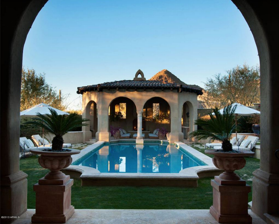 The claussen pickles mansion for sale in scottsdale az for Mansions for sale in scottsdale az