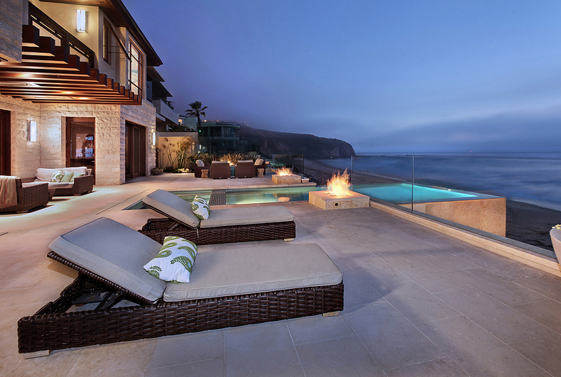 Stunning million oceanfront mansion in dana point for Mansions in orange county