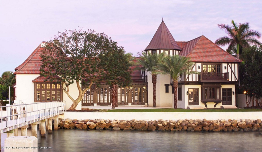 23 5 Million Historic English Tudor Waterfront Mansion In Palm Beach Fl Homes Of The Rich