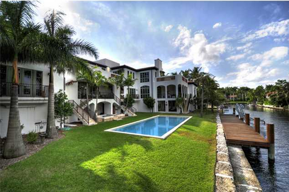 $9.8 Million Waterfront Mansion In Coconut Grove, FL