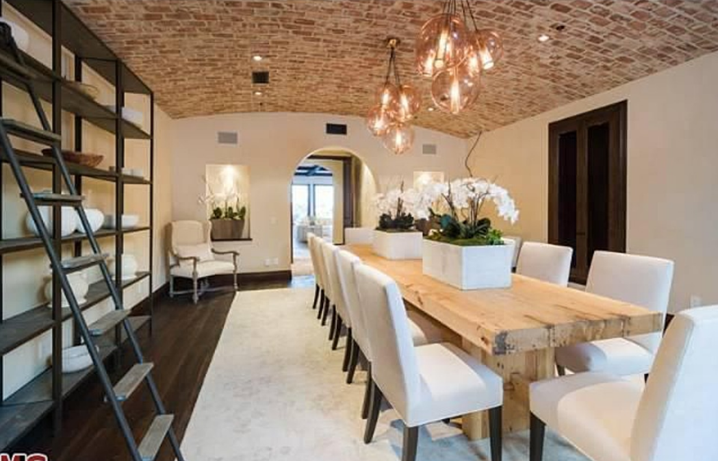 $16.9 Million Tuscan New Build In Pacific Palisades, CA