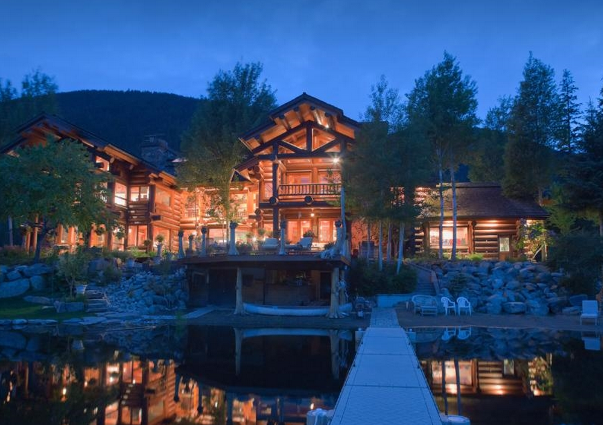 Big Idaho – A 21,000 Square Foot Log Mansion In Bonners Ferry, ID
