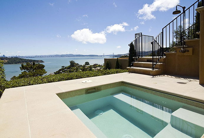 $9.995 Million Gated Estate In Tiburon, CA
