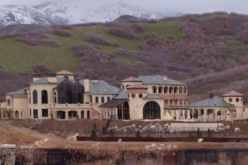 30 000 square foot mega mansion in bountiful ut homes for Utah house