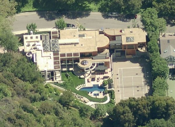 A Look At Some California Mansions