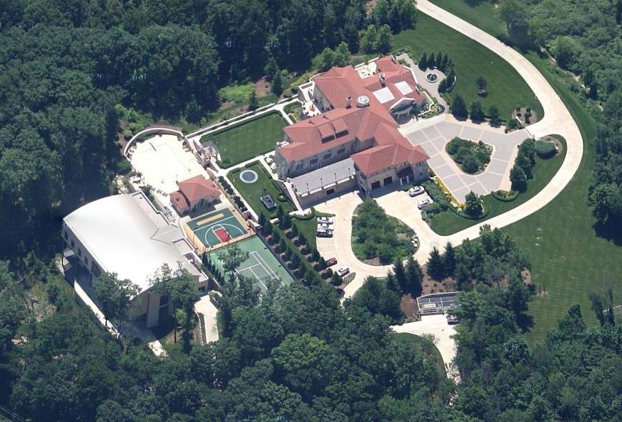 Dan devos house
